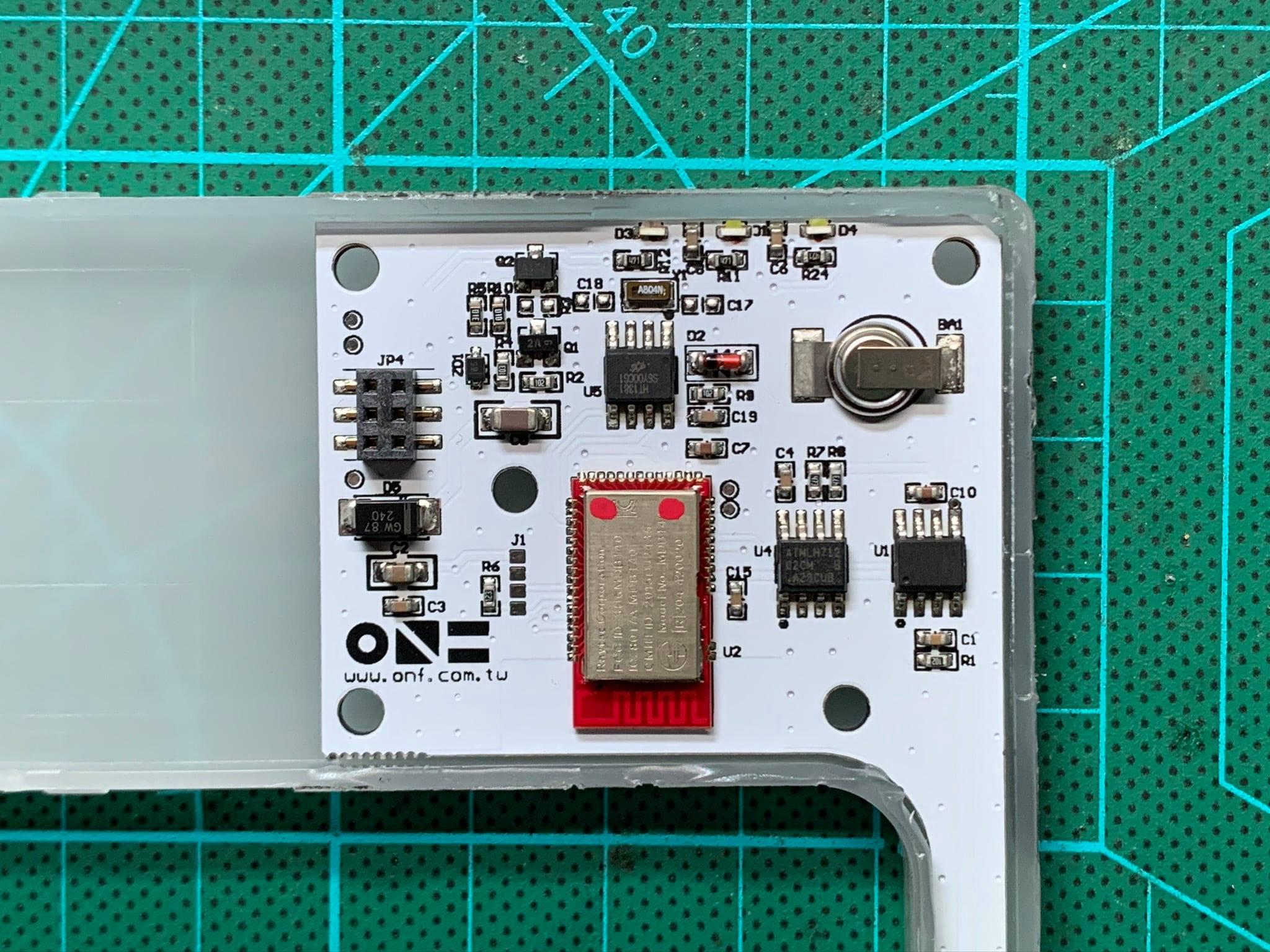 Mach điện đèn flat Nano